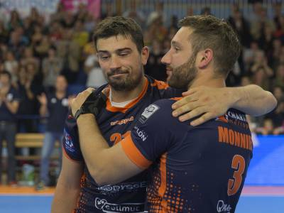 J26 : CHARTRES 18 - 34 CHAMBERY